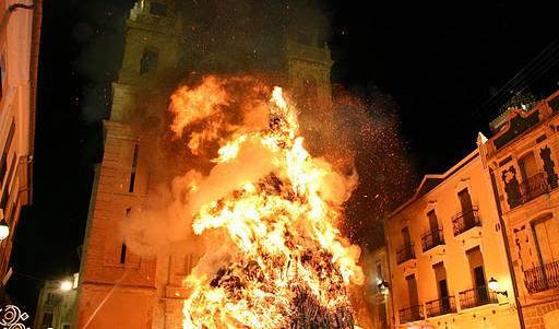1548770737foguera-de-canals_Noticia-Ampliada