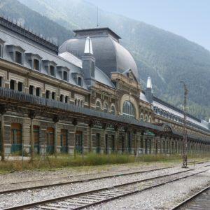 station-3862230_1920