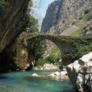ruta-del-cares-puente-la-haya-subida-al-bul-asturias